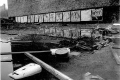 4 Engel Ausstellung in einer Baugrube am Görlitzer-Bahnhof, Berlin 1980